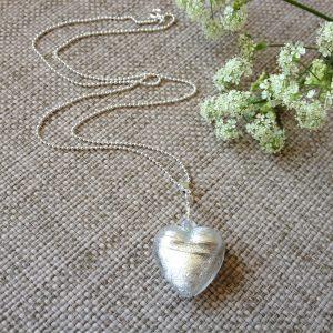 silver-white-murano-glass-heart-necklace-3